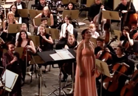Детский симфонический оркестр, дирижер Петра Вайсс